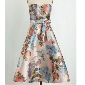 Chi Chi London Strapless cocktail dress